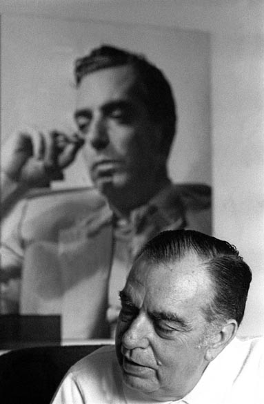 O escritor Nelson Rodrigues, durante entrevista em sua casa, na zona sul da cidade do Rio de Janeiro, em 1973