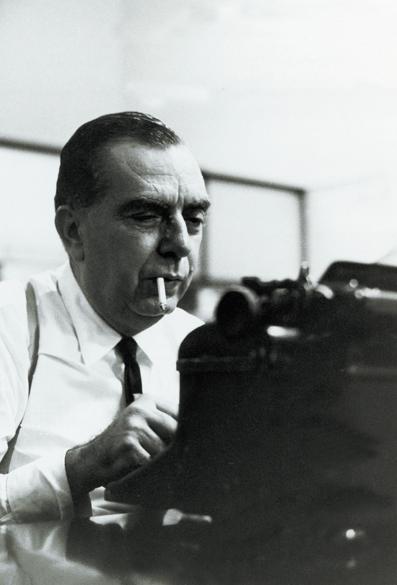 Nelson Rodrigues, dramaturgo, romancista e jornalista, em 1968