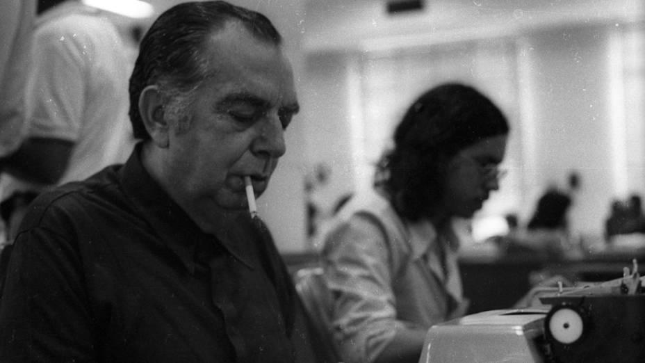 Nelson Rodrigues na redação de O Globo, em 1973