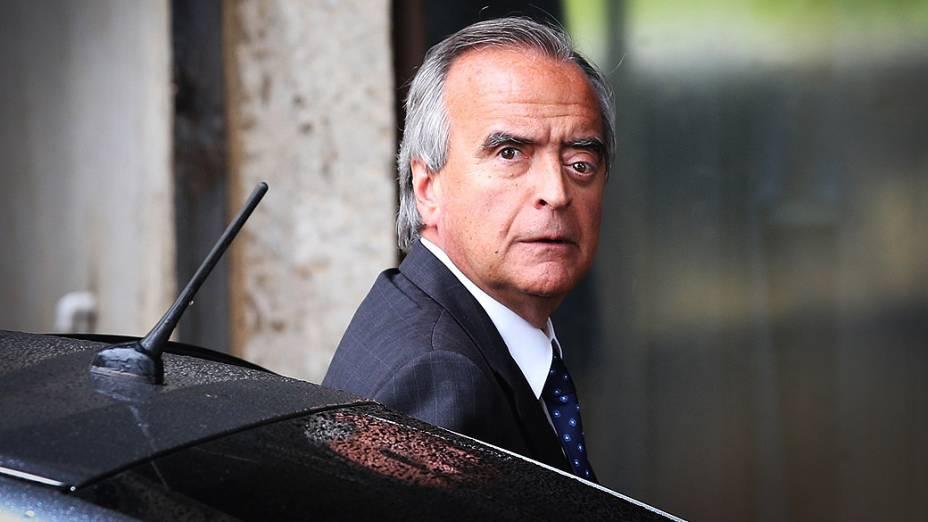 O ex-diretor da Petrobrás, Nestor Cerveró, chega ao Senado Federal, em Brasília, nesta terça-feira (02)