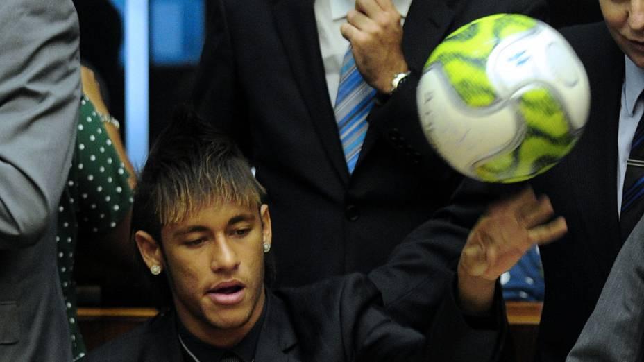 Neymar participa de sessão solene em homenagem ao centenáro do Santos na Câmara dos Deputados em Brasília