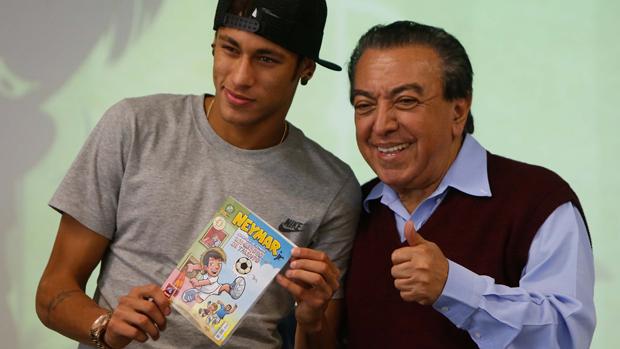 Neymar e Mauricio de Sousa durante lançamento de gibi do jogador, em Santos
