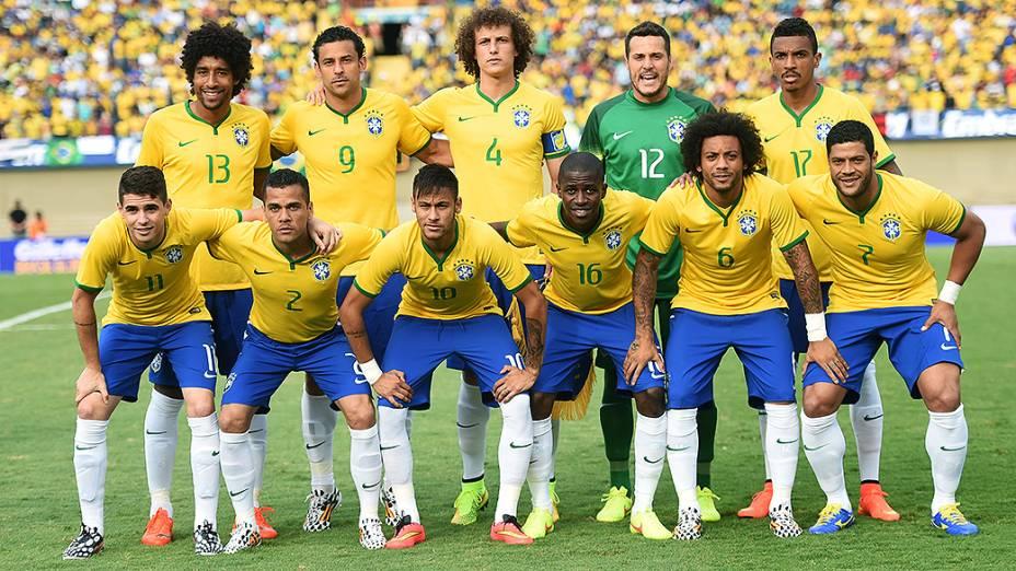 Neymar foi o destaque do Brasil na goleada sobre o Panamá, no estádio Serra Dourada, em Goiânia