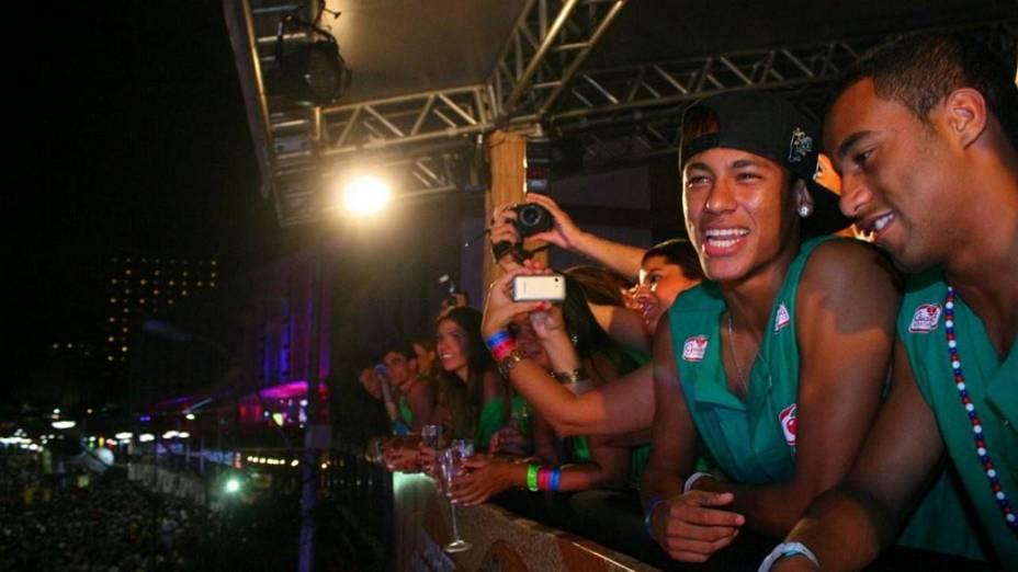 Neymar aproveita o carnaval de Salvador