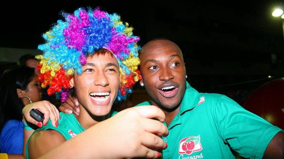 Os amigos Neymar e Thiaguinho curtem o Carnaval de Salvador (19/02/2012)