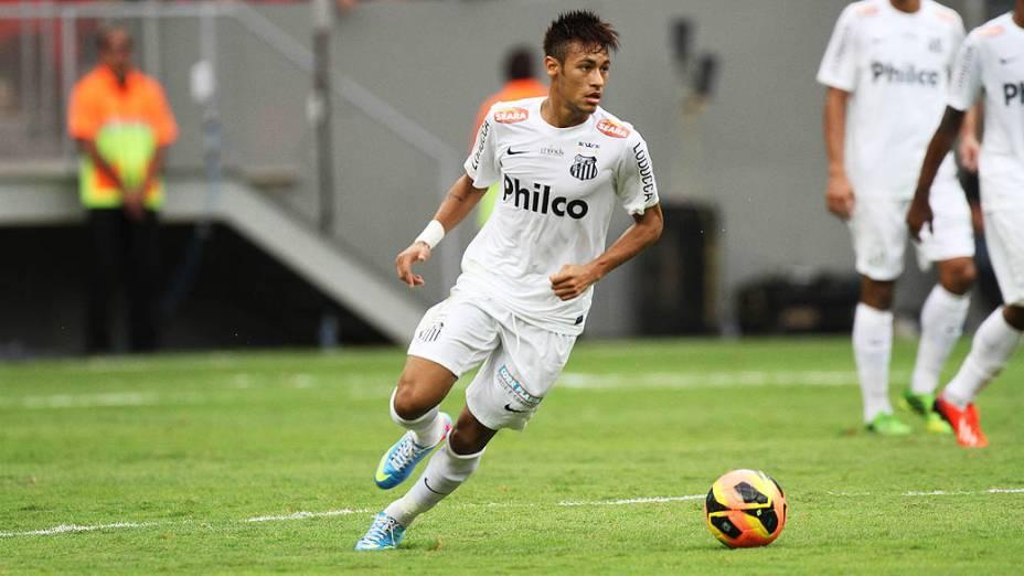 Neymar em sua despedida do Santos, na primeira rodada do Campeonato Brasileiro de 2013, contra o Flamengo, no Estádio Nacional de Brasília
