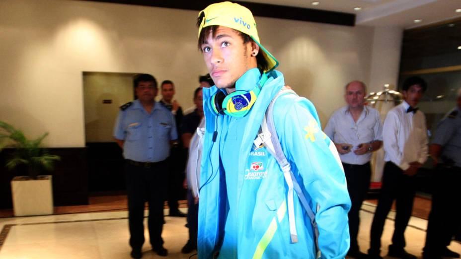 Neymar na chegada da seleção brasileira de futebol ao Amerian Hotel Casino, na Argentina