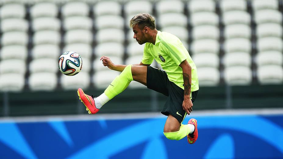 Neymar durante treino da seleção antes do jogo contra o México no Castelão, em Fortaleza