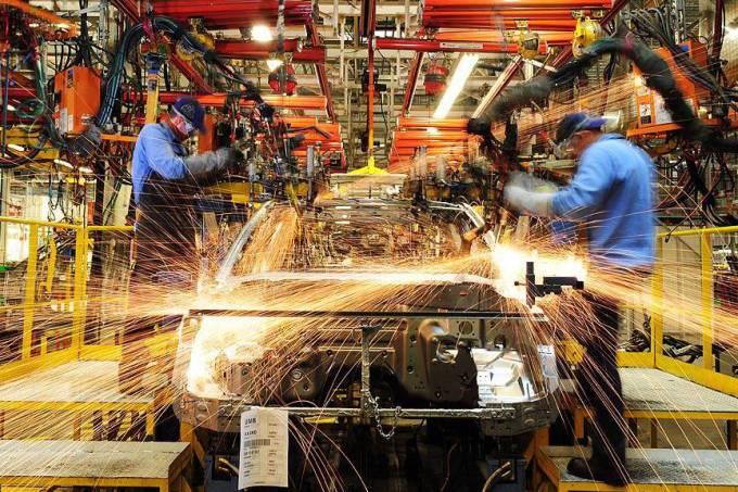 nissan-linha-fabrica-20110207-0177-original.jpeg