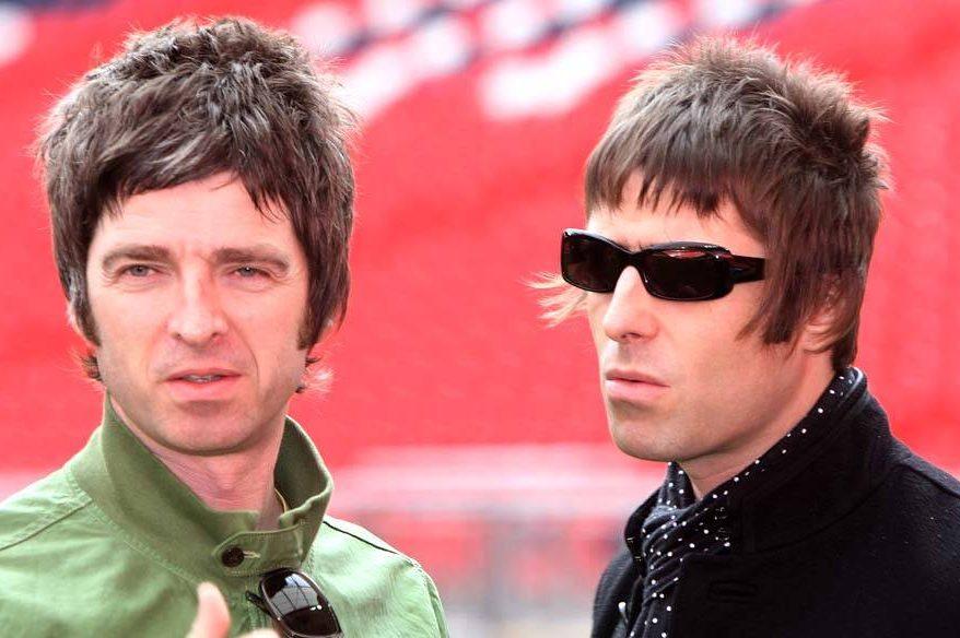 Em clima de Natal, irmãos Gallagher (juram que) fazem as pazes | VEJA
