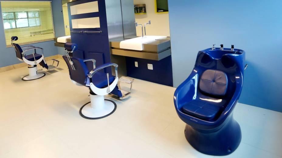 Reforma na Granja Comary, concentração da seleção brasileira: barbearia