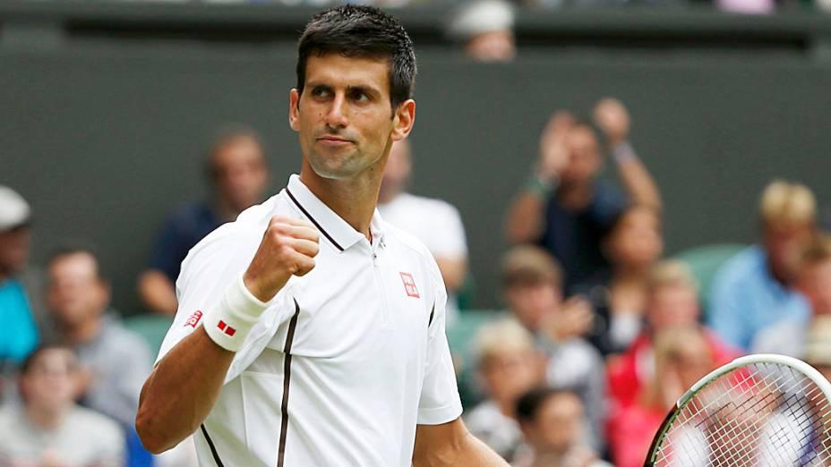 Novak Djokovic passou sem problemas pelo americano Bobby Reynolds em Wimbledon