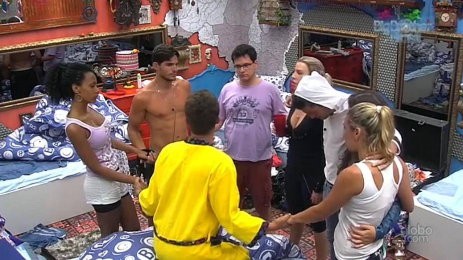 Novatos do BBB 13 unidos contra os veteranos