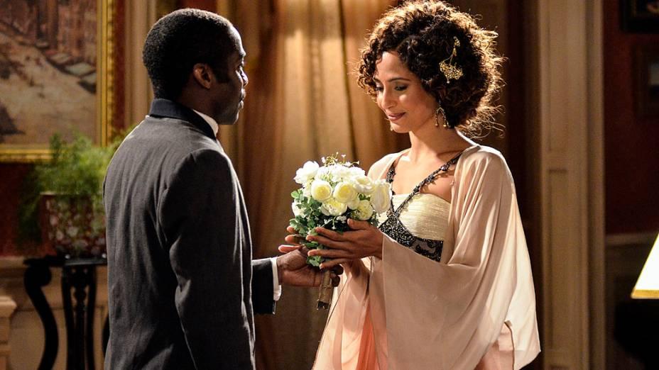 Zé (Lázaro Ramos) e Isabel (Camila Pitanga) voltam a namorar, em Lado a Lado