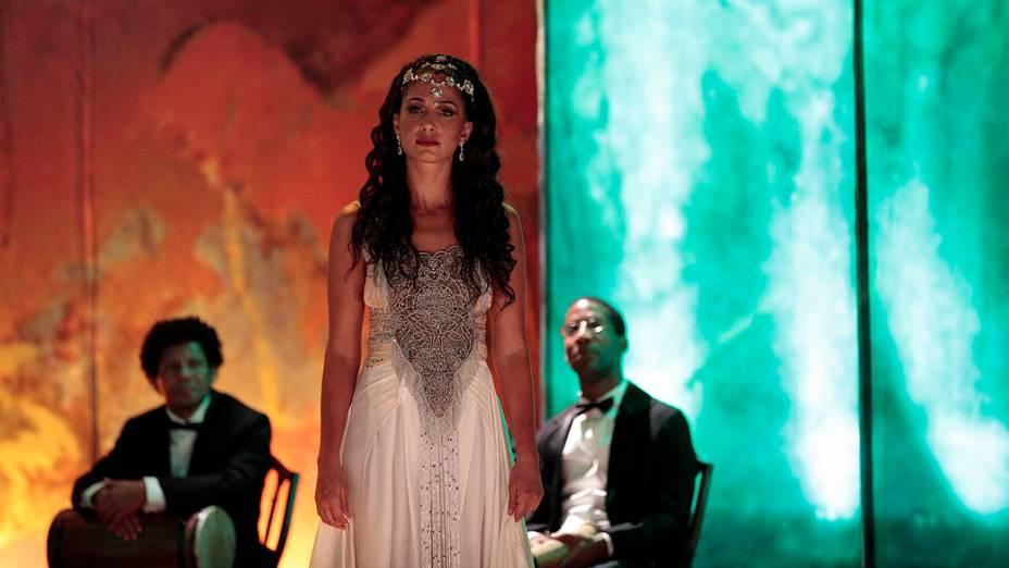Isabel (Camila Pitanga) em Lado a Lado