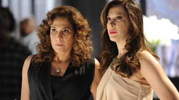 Lívia (Cláudia Raia) e Wanda (Totia Meirelles) na novela Salve Jorge