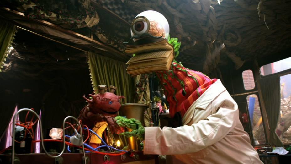 O boneco Dr.Z, da nova série Que Monstro te Mordeu?, da TV Cultura