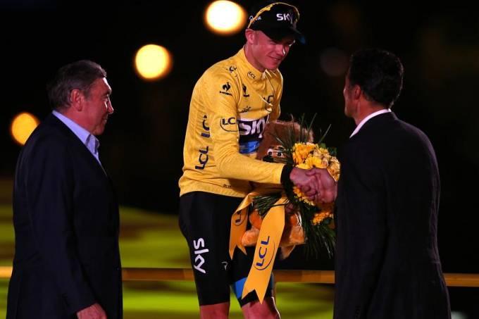 o-britanico-christopher-froome-de-amarelo-venceu-a-edicao-2013-do-tour-de-france-original.jpeg