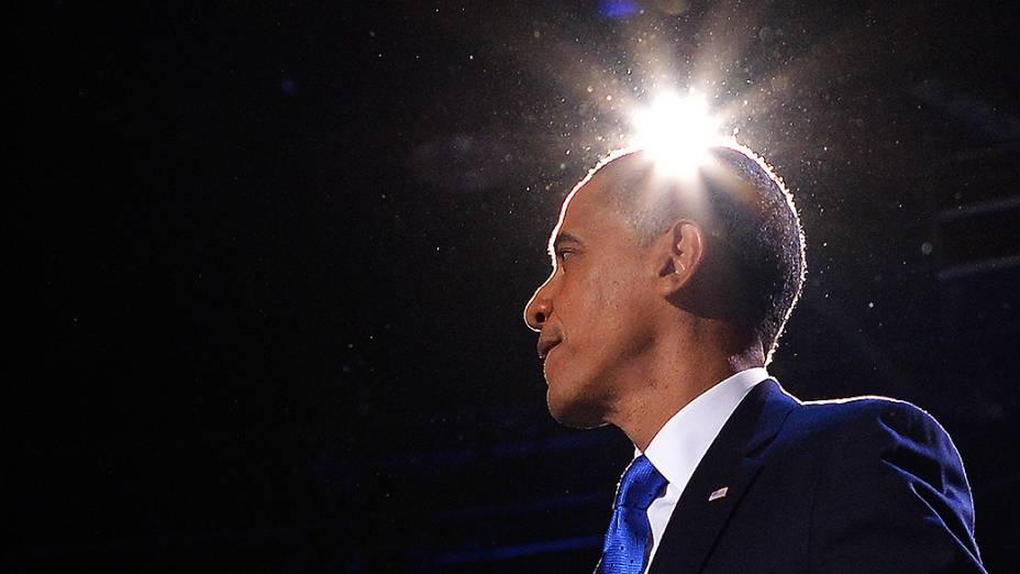 O presidente reeleito dos Estados Unidos, Barack Obama, durante o discurso da vitória no quartel general de sua campanha em Chicago, Illinois (EUA)