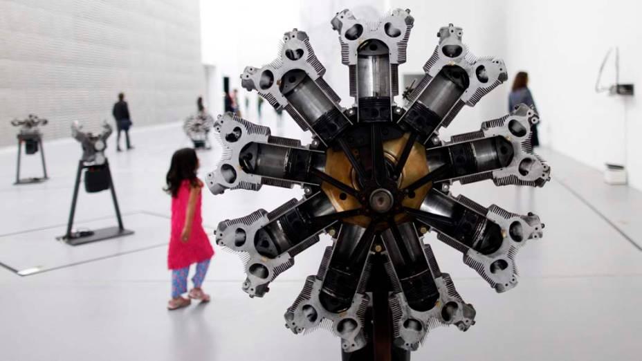 """A obra """"Monstranz"""", de Thomas Bayrle, integrante da exposição """"dOCUMENTA (13)"""" em Kassel, Alemanha"""