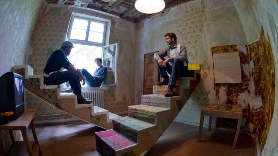 """Instalação """"Hugenottenhaus"""" do artista Theaster Gates, na exposição """"dOCUMENTA (13)"""" em Kassel, Alemanha"""