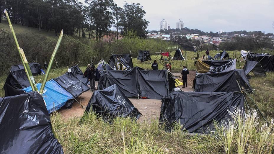 Integrantes do Movimento dos Trabalhadores Sem Teto (MTST) ocuparam um terreno na madrugada da última sexta feira (20), no Portal do Morumbi, zona sul da capital