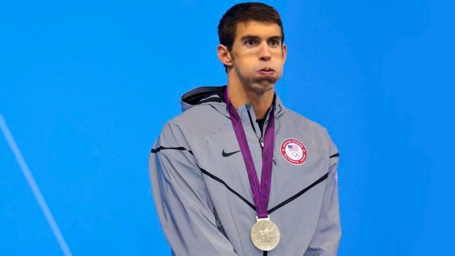 Michale Phelps recebe medlha de prata nos 200m borboleta na Olimpíada de Londres, em 31/07/2012