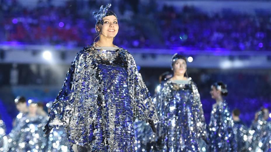 Dançarinas no encerramento dos Jogos Olímpicos de Inverno de Sochi, na Rússia