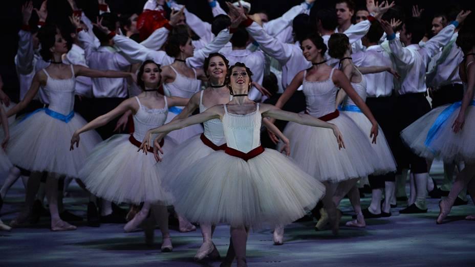 Apresentação de ballet no encerramento dos Jogos de Sochi, na Rússia