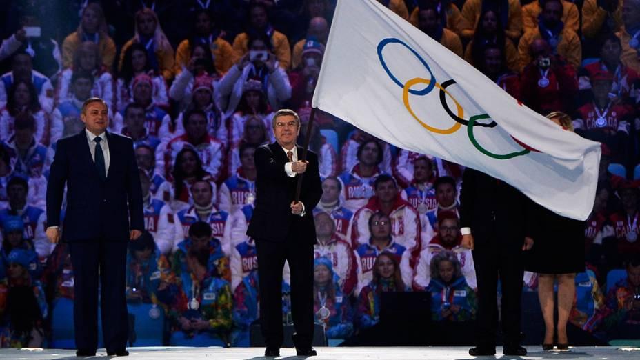 Hasteamento da bandeira olímpica nos Jogos de Sochi, na Rússia