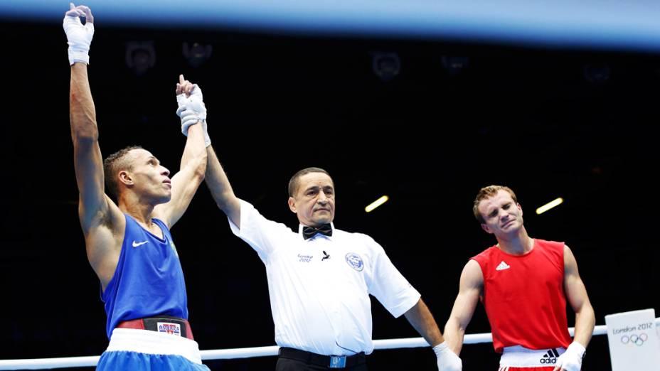 Robenilson Vieira de Jesus contra o adversário da Rússia, Sergey Vodopiyanov, em 01/08/2012