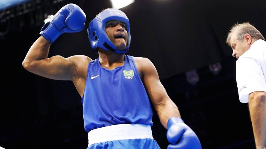O brasileiro Yamaguchi Florentino Falcão derrota o indiano Sumit Sangwan na categoria até 81kg durante os Jogos Olímpicos de Londres 2012
