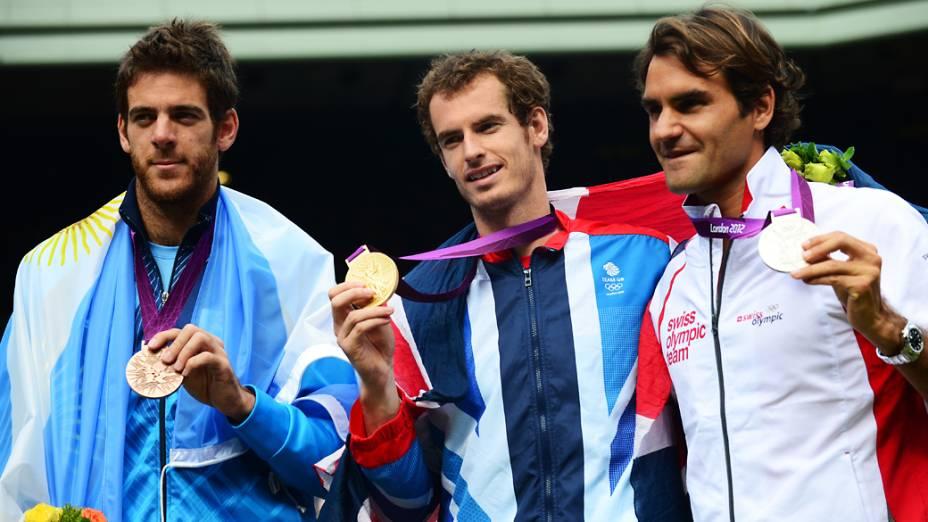 Argentino Juan Martin Del Potro, o campeão Andy Murray e Roger Federer na premiação dos Jogos Olímpicos de Londres 2012