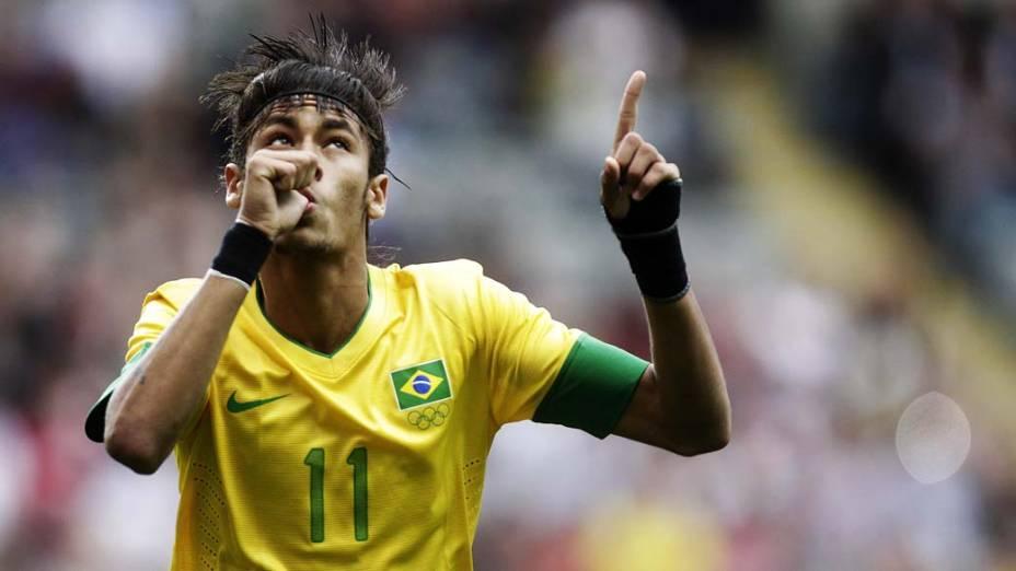 Neymar comemora gol durante partida contra Honduras, válida pelas quartas de final dos Jogos Olímpicos de Londres, em 04/08/2012