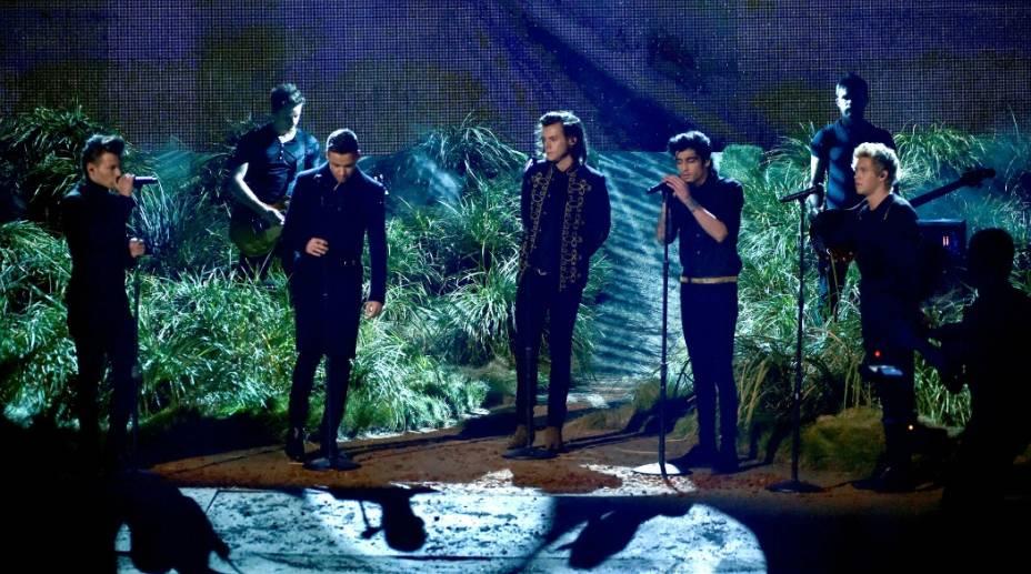 One Directionfoi o grande vencedor do American Music Awards de 2014, levou três troféus para casa: banda favorita; melhor disco pop/rock, comMidnight Memories; e artista do ano, prêmio máximo da cerimônia