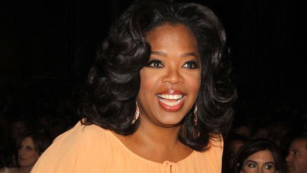 """Oprah Winfrey, apresentadora de TV e empresária.  Ter nascido em família pobre no Mississippi não a impediu de ganhar uma bolsa de estudos para a Universidade do Estado do Tennessee. Em 1983, Oprah se mudou para Chicago para trabalhar para em um talk show que mais tarde viraria o famoso """"The Oprah Winfrey Show"""". Sua fortuna é estimada em 2,9 bilhões de dólares."""