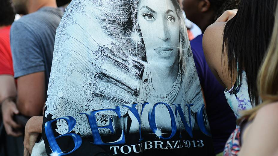 Fãs de Beyonce esperam pelo show da cantora, no Rock in Rio