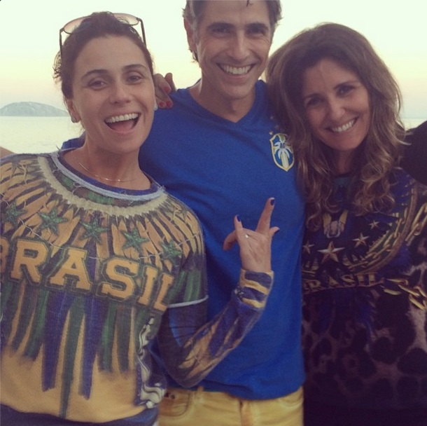 Os atores Giovanna Antonelli, Reynaldo Gianecchini, Christiane Alves na torcida pelo Brasil nesta Copa do Mundo 2014