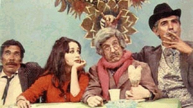 Os atores Ramón Valdés, Maria Antonieta de Las Nieves, Roberto Bolaños e Rubén Aguirre, no programa Los Supergenios de la Mesa Cuadrada