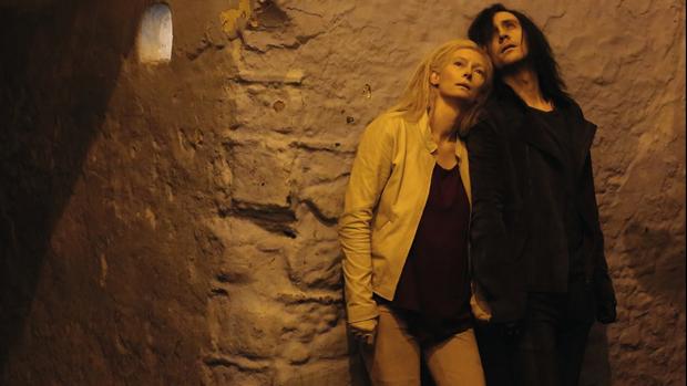 os-atores-tom-hiddleston-e-tilda-swinton-no-filme-only-lovers-left-alive-original.jpeg