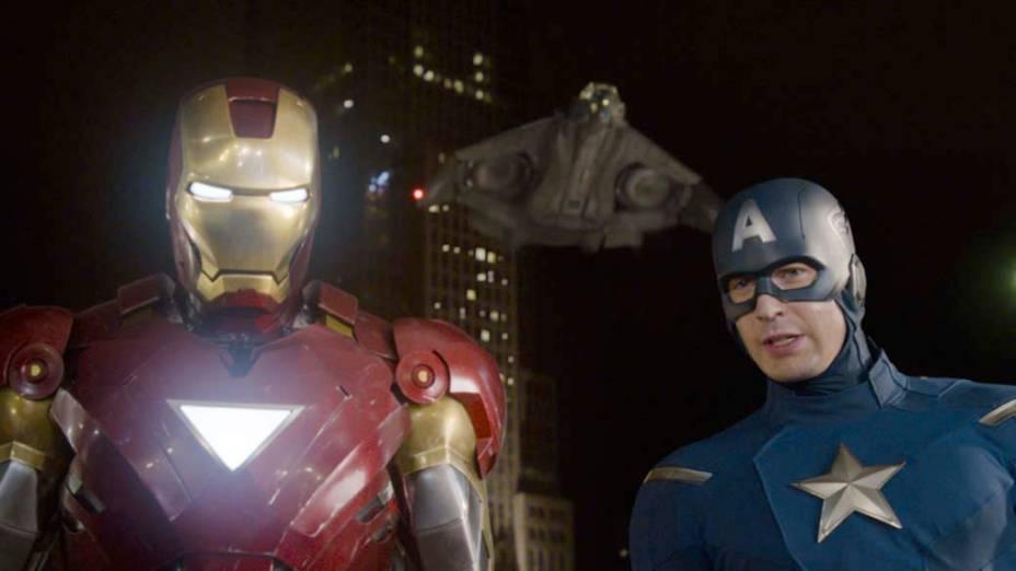 """Em cena de """"Os Vingadores"""", os personagens Homem de Ferro (Robert Downey Jr.) e Capitão-América (Chris Evans)"""