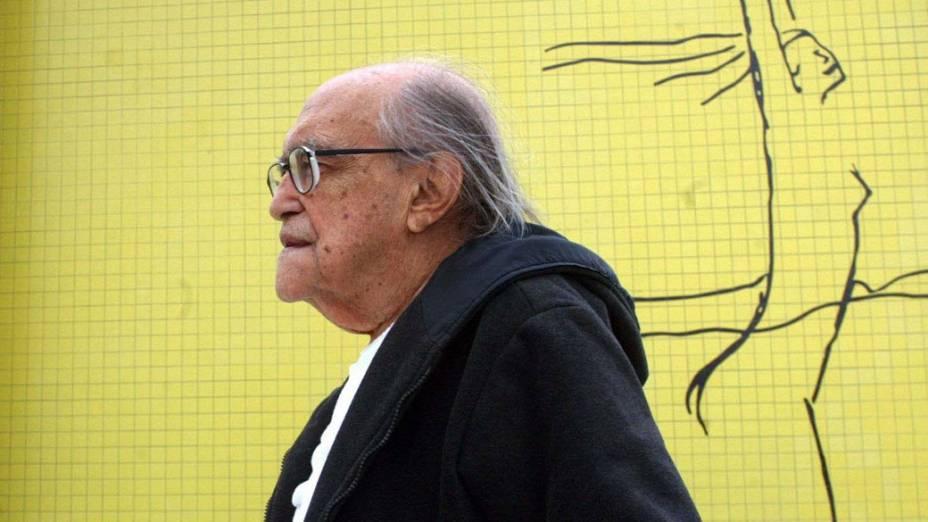 2004 - Oscar Niemeyer no Teatro Popular de Niterói, no Rio de Janeiro