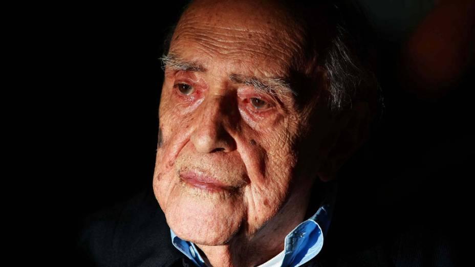 2008 - Oscar Niemeyer durante o lançamento da terceira edição da revista Nosso Caminho, no Museu Nacional