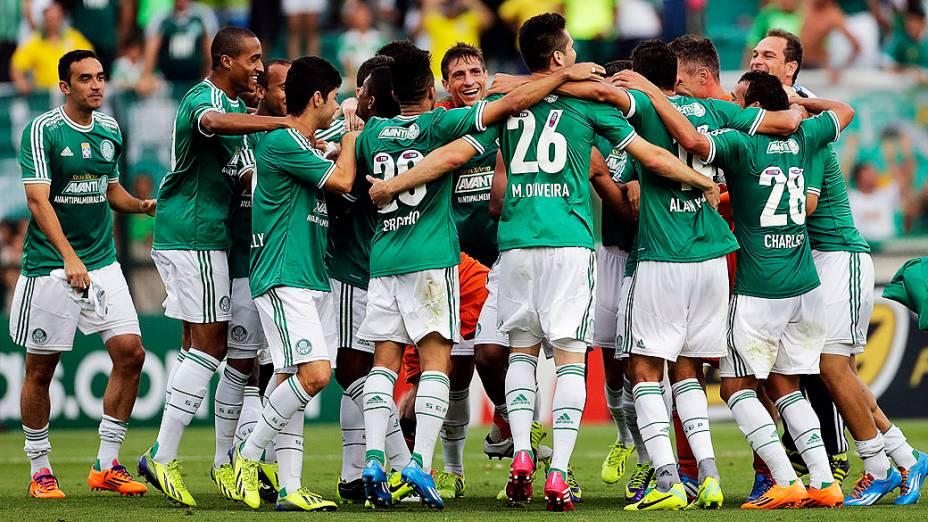 Jogadores do Palmeiras comemoram título após vitória por 3 a 0 sobre o Boa Esporte, no Pacaembu