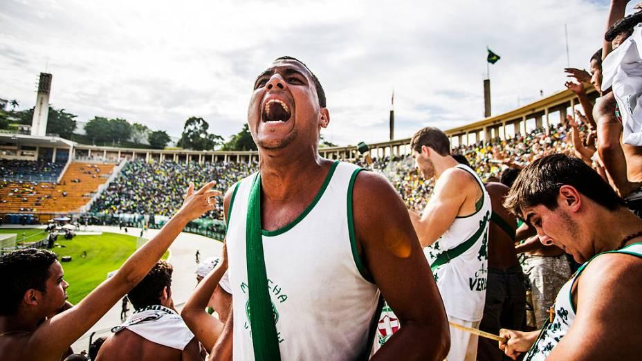 Torcida do Palmeiras comemora o título após a partida entre Palmeiras SP e Boa Esporte MG válida pela Série B do Campeonato Brasileiro 2013, no Estádio Pacaembú em São Paulo (SP), neste sábado (16)