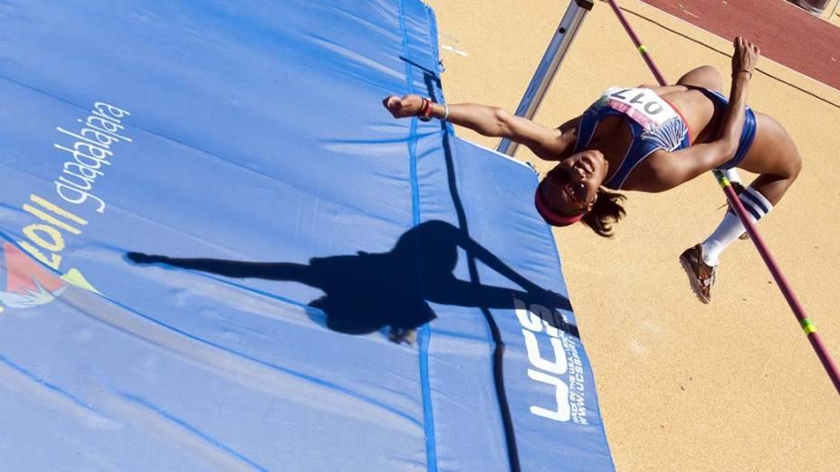 Shiane Smith, das Bermudas, durante salto em altura, no décimo primeiro dia dos Jogos Pan-Americanos em Guadalajara, México, em 25/10/2011