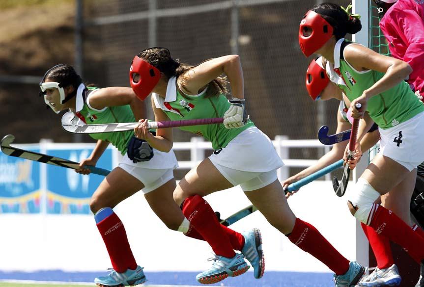 Equipe mexicana de hóquei sobre grama feminino em prova de primeira fase contra o time dos Estados Unidos, no quinto dia dos Jogos Pan-Americanos em Guadalajara, México, em 19/10/2011
