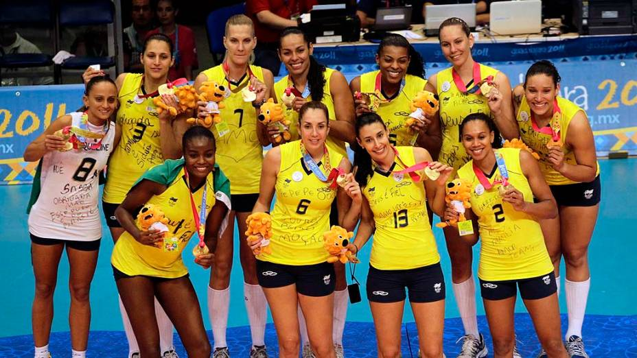 Seleção brasileira de vôlei, medalhista de ouro, no sexto dia dos Jogos Pan-Americanos em Guadalajara, México, em 20/10/2011