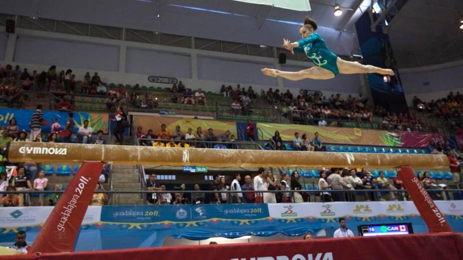 A canadense Kristina Vaculik durante prova de ginástica, no décimo segundo dia dos Jogos Pan-Americanos em Guadalajara, México, em 26/10/2011