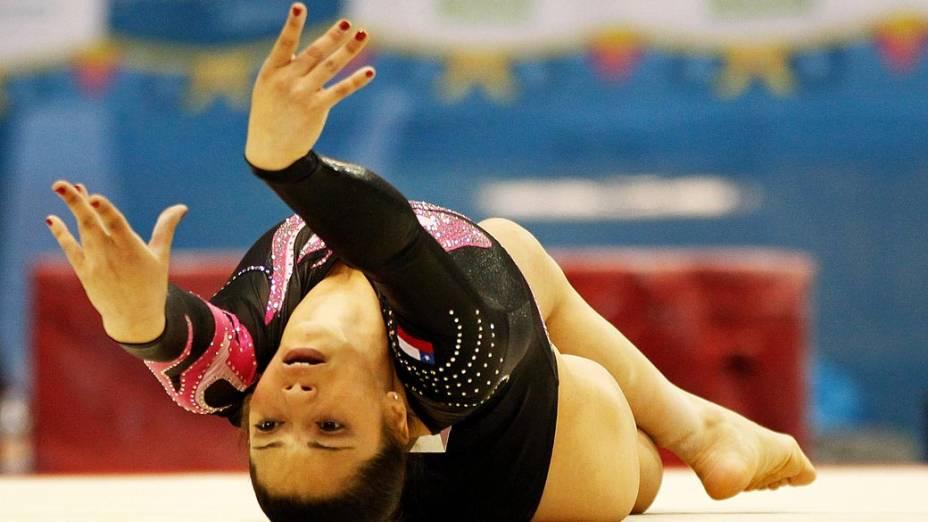 A porto-riquenha Paula Mejias durante solo de ginástica, no décimo segundo dia dos Jogos Pan-Americanos em Guadalajara, México, em 26/10/2011